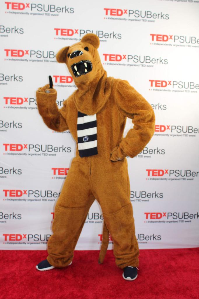 redcarpets.com-step-repeat-fabric-red-carpet-TEDxPSUBerks-18-12